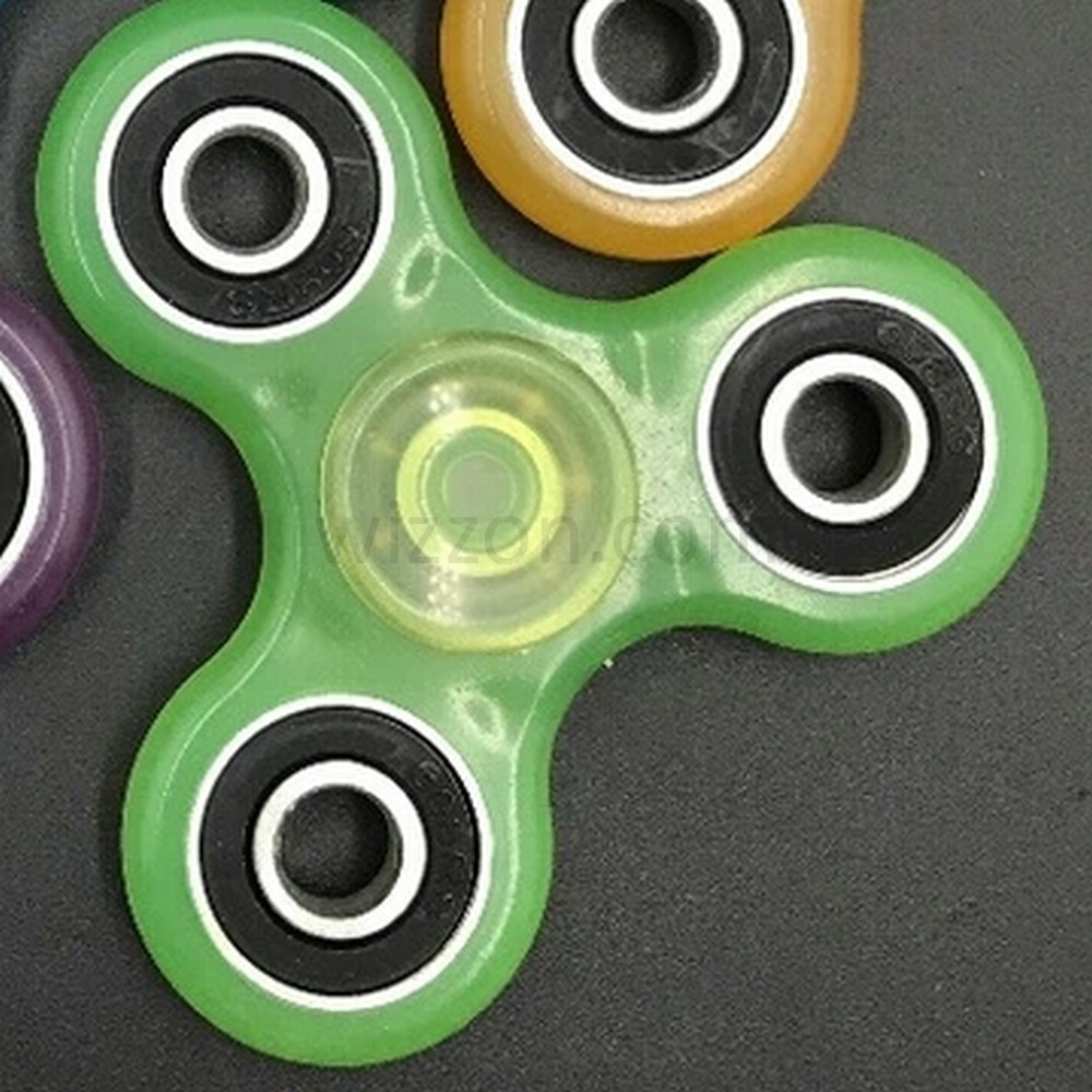 Hand Finger Fidget Tri Spinner Glow In The Dark Green